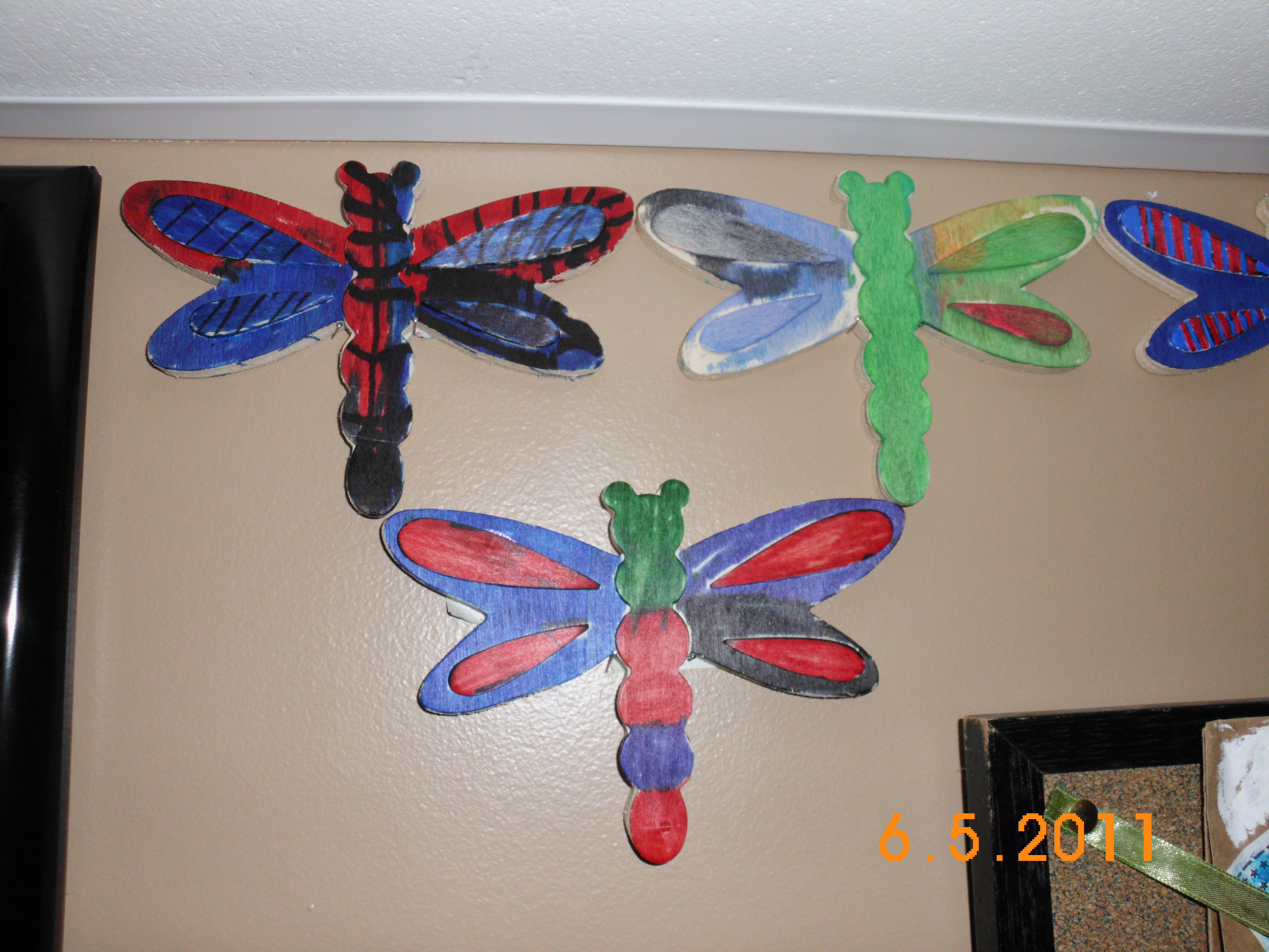 Dragonfly arts and crafts - Advertisements
